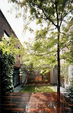 I love the idea of a courtyard in the center of your house. U-House by Natalie Dionne » CONTEMPORIST