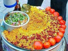 Calcuta-Street-Food-Chanachur - Y - Ghoti-Garam Bangladeshi Food, Bengali Food, Best Fish Recipes, Indian Food Recipes, India Food, Chaat, How To Make Salad, Evening Meals, Asian
