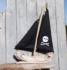 Nave pirata Driftwood recuperato in legno barca di Thymeandtideart