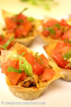 Game day finger foods - mini taco cups! Just in time for football season | simpleeverydayfood.com