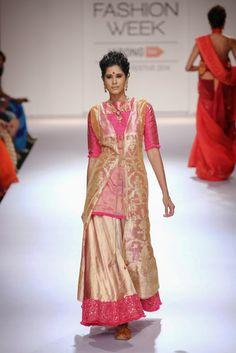 Fashion: Vaishali S Lakme Fashion Week Winter/Festive 2014 Collection