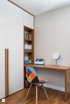 Study Room Decor, Bedroom Closet Design, Bedroom Furniture Design, Modern Bedroom Design, Home Room Design, Study Table Designs, Modern Bedroom Interior, Bedroom Cupboard Designs, Study Room Design
