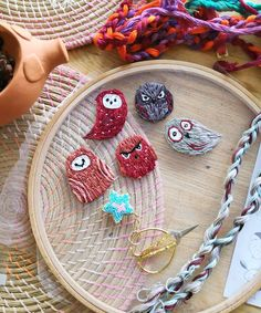 Photo shared by Katja Main on October 30, 2019 tagging @nitki_kirova, and @hoopart.embroidery. Aucune description de photo disponible. Straw Bag, Dream Catcher, October, Product Description, Bags, Decor, Embroidery, Handbags, Dream Catchers