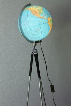 Globuslampe / Stativlampe im Bauhausstil von talentfrei auf DaWanda.com
