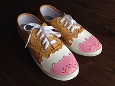 Ice cream shoes Source by torrriiiiiii shoesYou can find ice and more on our website.Ice cream shoes Source by torrriiiiiii shoes Custom Painted Shoes, Painted Canvas Shoes, Painted Sneakers, Hand Painted Shoes, Custom Shoes, New Shoes, Vans Shoes, Ice Cream Shoes, Diy Kleidung