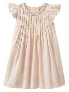 Sewing Baby Girl Lurex pleated dress - This dress is so lovely. Beps looks so sweet in - Fashion Kids, Little Girl Fashion, Moda Kids, My Baby Girl, Baby Boys, Carters Baby, Toddler Girls, Kids Girls, Little Girl Dresses