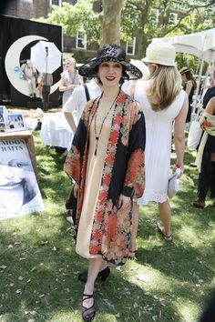 On the grounds of the 11th annual Jazz Age Lawn Party in Governors Island 20s Fashion, Fashion History, Art Deco Fashion, Modest Fashion, Retro Fashion, Vintage Fashion, Fashion Design, Jazz Age Lawn Party, Gatsby Style