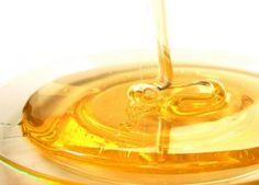 МЕДОВЫЙ МАССАЖ ОТ ЧЕРНЫХ ТОЧЕК Сначала необходимо очистить и распарить кожу, затем нанести мед (особое внимание уделите Т-зоне), через 3-5 минут прижимаем кончики пальцев к коже и резко отрываем, после нескольких повторений мед станет белым и пенистым — это Ваши поры очищаются, далее повторяйте еще 1-5 минут. По окончании смойте теплой водой, протрите поросуживающим лосьоном, нанесите крем. Процедуру повторять по мере необходимости. Медовый массаж не рекомендуется...