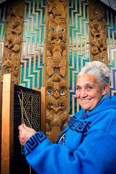 Tukutuku maker Reihana Parata combines white kiekie with yellow pīngao to create the Aramoana design on tukutuku panels at Te Wheke, the wharenui (meeting house) at Rāpaki marae on Banks Peninsula, near Christchurch. Maori Patterns, Maori Designs, Polynesian Culture, New Zealand, Lion Sculpture, Weaving, Statue, Artworks, Preschool
