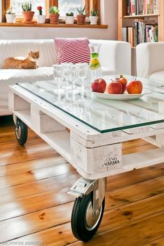 White-washed, glass-topped & ready to roll! Pallette Furniture, Diy Pallet Furniture, Home Decor Furniture, Palette Table, Pallet Creations, Pallet Shelves, Wood Pallets, Home Interior Design, Decoration