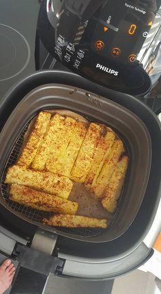 gebakken verse ananas met kokos ala Miran Kustermans - Powered by Oven Fryer, I Love Food, Good Food, Lunch Snacks, Dessert Recipes, Desserts, Air Fryer Recipes, Tasty Dishes, My Favorite Food
