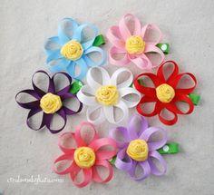 Creations by Kara: Hair Bow How To–Loopy Ribbon Flower Tutorial Ribbon Hair Clips, Diy Hair Bows, Flower Hair Clips, Flowers In Hair, Fabric Flowers, Ribbon Flower Tutorial, Diy Ribbon, Ribbon Crafts, Ribbon Bows
