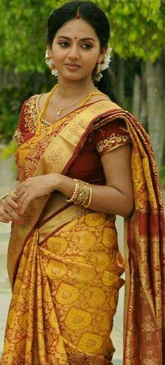 Being Married - Sasi Pradha Beautiful Girl In India, Beautiful Saree, Beautiful Gorgeous, Beautiful Bollywood Actress, Most Beautiful Indian Actress, South Indian Bride, Indian Bridal, Beauty Full Girl, Beauty Women