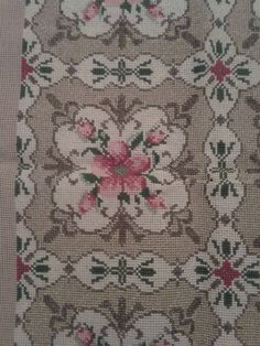 Cross Stitch Flowers, Cross Stitch Patterns, Bargello, Bohemian Rug, Diy And Crafts, Cushions, Embroidery, Rugs, Canvas
