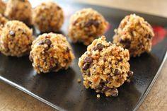 Peanut Butter Chocolate Chip Quinoa Cookies!