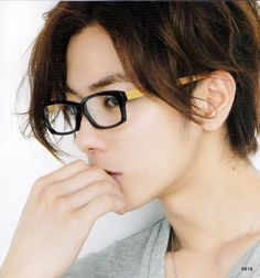 His smexiness Himura Kenshin himself! Damn I love you Sato Takeru!! Augh, Japenese hot sauce