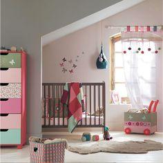 Baby girl bedroom from French retailer Vert Baudet - claradeparis.com ♥ the colors