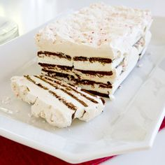 Pin for Later: Summer Calls For No-Bake Desserts Ice Cream Cake Beginning bakers should spring for this ice cream cake with whipped cream, ice cream sandwiches, coffee liqueur, and crushed peppermint candy.