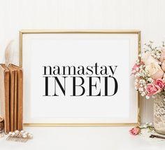 Poster, Print, Kunstdruck, Illustration: Namastay in bed