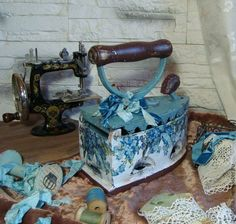 """The kitchen is handmade. Set """"Only nezabudok luscious turquoise . Antique Iron, Vintage Iron, Fun Crafts, Diy And Crafts, Deco Paint, Antique Sewing Machines, Quilling Craft, Tole Painting, Metal Tins"""
