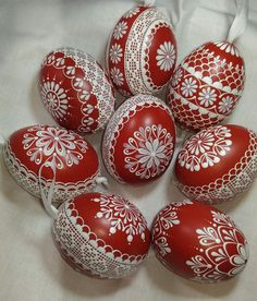 Kraslice-červená / Zboží prodejce ZS-relief | Fler.cz Cute Easter Bunny, Happy Easter, Easter Egg Designs, Easter Ideas, Polish Easter, Egg Shell Art, Paint Drop, Heart Diy, Ukrainian Easter Eggs