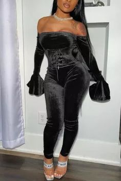 Sexy Off Shoulder Tube Top Black Two-piece Set Sweet 16 Outfits, Boujee Outfits, Baddie Outfits Casual, Cute Swag Outfits, Stylish Outfits, Fashion Outfits, 16th Birthday Outfit, Cute Birthday Outfits, 23rd Birthday