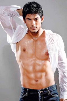 """Sidharth Shukla will join Bharti Singh as the host of """"India's Got Talent"""", which is entering the semi-final stage. : Tv Talks"""