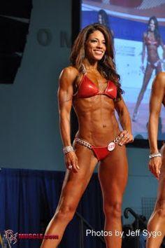 Stephanie Krohn - a fellow Kentuckian! LOVE her physique. Look at those shoulders!