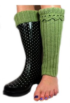 Boot toppers or Wellie Warmers Knitted Boot Cuffs, Knit Boots, Knitting Socks, Boot Toppers, Boot Socks, Knitting Projects, Leg Warmers, Diy Fashion, Knitting Patterns