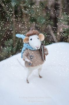 I am obsessed with these felted animals.. the detail is so great... and love the falling snow too!