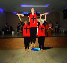 Adoradores Extravagantes: Blusa Customizada de Cruz - para Ministério de Dança