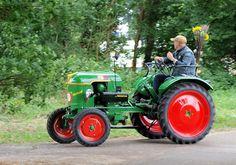 Alle Größen | Deutz tractor, Oldtimer Treffen Sinderen | Flickr - Fotosharing! Yanmar Tractor, Antique Tractors, Iron, Horses, Photo And Video, Tractors, Tractor, Bricolage, Irons