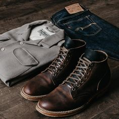 Tough to go wrong with durable leather boots, slim dark denim and stylish layers. Trendy Mens Fashion, Mens Fashion Wear, Latest Mens Wear, Sharp Dressed Man, Modern Man, Fashion Advice, Fashion News, Men's Fashion, Streetwear Fashion