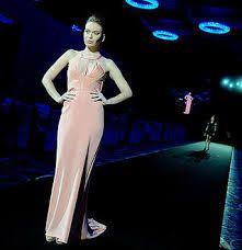 maurizio favetta - Bmw haute couture show - Abu Dhabi 2012 - Jean Paul Gautier fashion show Abu Dhabi, Bmw, Formal Dresses, Fashion, Haute Couture, Moda, Formal Gowns, Fasion, Trendy Fashion