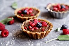 (via Raw Vegan Berry Tarts with Chocolate Mousse - Divine... http://veganrecipecollection.tumblr.com/post/83850841829  #healthy #vegetarian #recipes Find more healthy recipes @ http://standouthealth.com