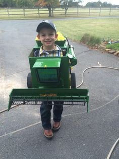 John Deere combine Halloween costume made with a cardboard box and duct tape for my nephew  sc 1 st  Pinterest & We spent the entire evening trick-or-treating at friendsu0027 and ...