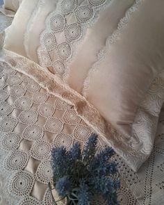#ceyiz #piko #nakis #dantel#mavispiko#kanevice #izmir #tasarım #ceyizhazırlığı #nişanbohcasi#yatakörtüsü #evtekstil #ceyizlik #design #handmade #diy #home #textile #sewing #embroidery #fabric #sateen #kumaş #hometextile #wedding #instaart #tasarim #art#kinitting
