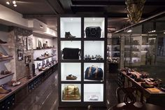 SHOE STORES! Original Shoes store by Michael Gurevich, Moscow » Retail Design Blog - via http://bit.ly/epinner