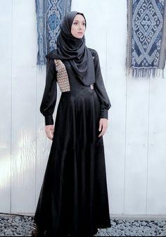 """ L'AUTHORITAIRE "" ( Songket for Ramadhan & Ied ) Women moslem / hijab dress - Black Sumatra - weaving - summer"