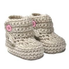 Baby Booties with Button Top size 0 to 6 by threekittensknitting