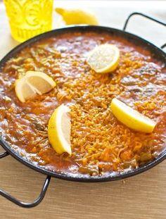 Paella, receta española con Thermomix « Thermomix en el mundo ༺✿ƬⱤღ✿༻ Rice Recipes, Cooking Recipes, Best Spanish Food, Spanish Dishes, Dinners To Make, International Recipes, Main Meals, Tapas, Yummy Food