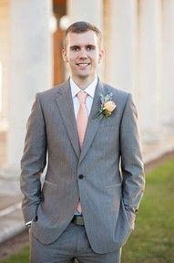 Faça seu estilo no Atelier das Gravatas® http://www.atelierdasgravatas.com.br/pagina/88ef/gravatas-slim-finas a melhor loja onde comprar gravatas online. Curtiu!? » Try it! « Searchable #weddingphotos #couplephotos #menssuit #Boutonnière