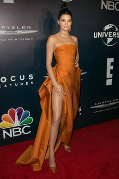 Kendall Jenner in Paule Ka - Golden Globes 2017