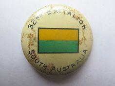WORLD WAR I TINNIE BADGE for 32nd BATTALION SOUTH AUSTRALIA COLOUR PATCH c1918