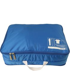 Don't be a SPACE CASE! Our Spacepak Clothes in blue maximizes case space, while achieving maximum compression so you can always carry on and avoid the baggage claim. Using this system allows garments to undergo double compression and organization with 1 side for clean laundry and 1 side for dirty laundry.