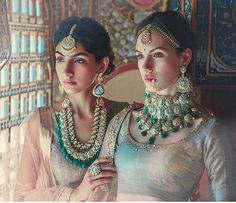 Wonderful Cost-Free Bridal Jewellery diamond Suggestions Through wedding rings as well as bracelets to jewelry as well as jewellery, this is the handful of g Indian Wedding Jewelry, Indian Bridal, Indian Jewelry, Bridal Jewellery, Antique Jewellery, Diamond Jewelry, Diamond Earrings, Gold Jewelry, Emerald Jewelry