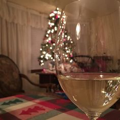 Tina and I bought this bottle of @laurel_lake_vineyards Pinot Gris to enjoy on Christmas but everyone was so sick that we're only just getting to enjoy it now. Fortunately we also still have the tree up. #liwine #wine #longislandwine #longisland #nofo #whitewine #glugglug