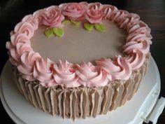 Cake, Desserts, Food, Cakes With Roses, Round Cakes, Deserts, Tailgate Desserts, Kuchen, Essen