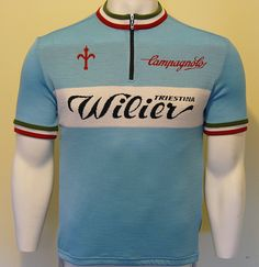 Wilier merino wool jersey by Soigneur. Cycling Shorts, Cycling Jerseys, Cycling Bikes, Cycling Equipment, Cycling Outfit, Cycling Clothes, Mountain Bike Accessories, Bike Shirts, Jersey Shirt