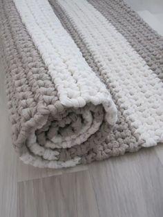 Cheap Non Slip Carpet Runners Crochet Mat, Crochet Rug Patterns, Crochet Carpet, Crochet Home, Crochet Granny, Crochet Stitches, Braided Rag Rugs, Beige Carpet, Knitting Designs